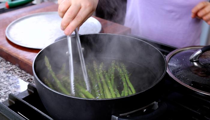 طرز پخت مارچوبه