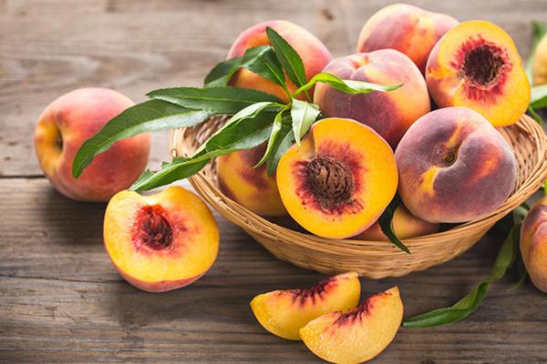 هلو میوه تابستانی
