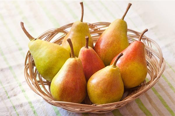 گلابی میوه تابستان