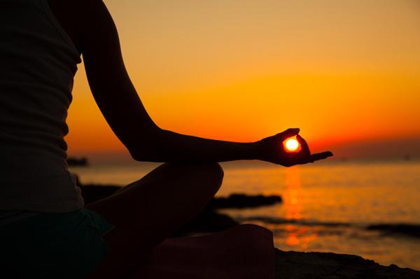 حرکات یوگا سلام بر خورشید